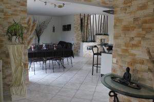 Restaurant ou autre lieu de restauration dans l'établissement La villa Bouddha Bamboo
