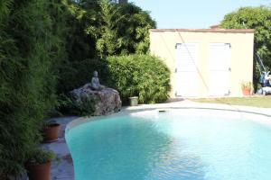 Piscine de l'établissement La villa Bouddha Bamboo ou située à proximité