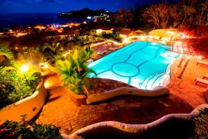 A view of the pool at Lugar Escondido or nearby