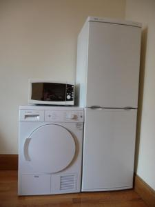 A kitchen or kitchenette at Apartment 45 Lower Drumcondra Road
