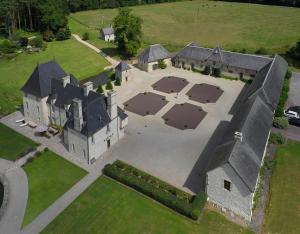 Vue panoramique sur l'établissement La Grange du Manoir de Cleronde