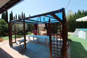 Piscina en o cerca de Casa Valle del Jarama