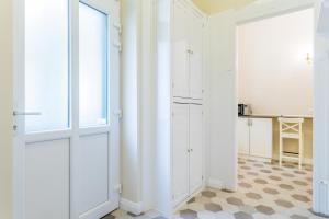 A bathroom at Luxury & Antique Charm