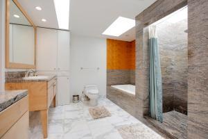 5907 - Maison Moderne Three-Bedroom Holiday Home, San Diego, CA ...