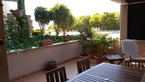 A balcony or terrace at Apartamento Calabardina
