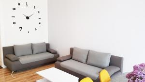 A seating area at Cosy Apartment in Berlin, 3 rooms