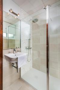 A bathroom at Genteel Home Maestranza
