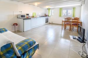Een keuken of kitchenette bij Private Roof Top Sant Antoni
