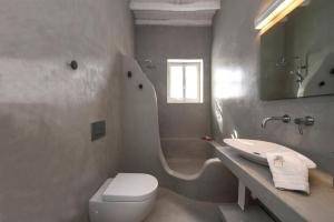 A bathroom at Villa Veni