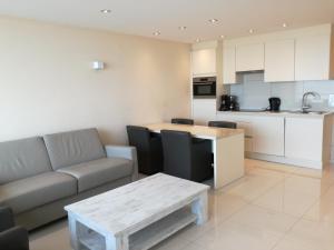 Golden Trust Apartments Belgien Ostende Booking Com