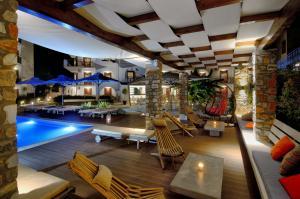 Πισίνα στο ή κοντά στο Hotel Korali