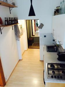 A kitchen or kitchenette at Historical Beer Apartment