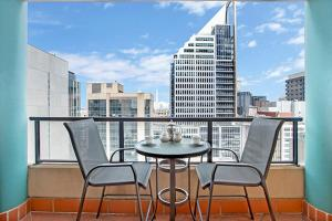 One Bedroom Apartment Hosking Place II(A2504), Sydney ...