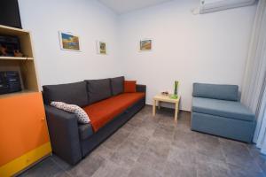 A seating area at Holiday Home David