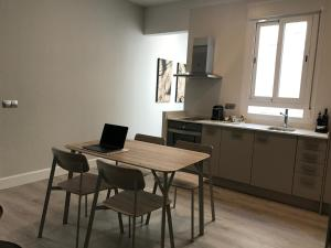 A kitchen or kitchenette at Apartment Velarde