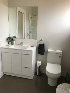 A bathroom at Shades of Blue Eco Retreat
