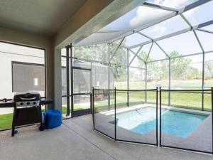 Piscine de l'établissement 8866 Paradise Palms 5 Bedroom Villa ou située à proximité