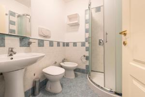 A bathroom at Tyrsova Apartment
