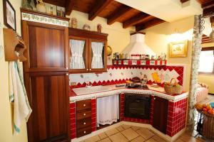 A kitchen or kitchenette at Casa Sonvico