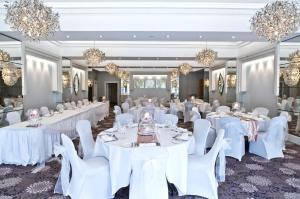 Thornton hall hotel spa heswall updated 2018 prices - Wirral hotels with swimming pools ...