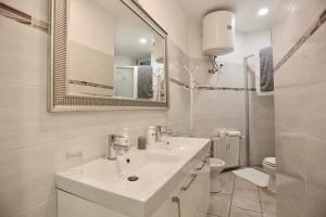 A bathroom at Pretty Space