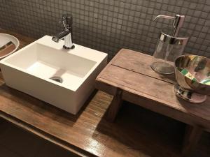 A bathroom at Designerwohnung, 4 Zimmer, Sternschanze