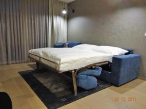 A bed or beds in a room at TOP LOCATION VIENNA MARIAHILF 9