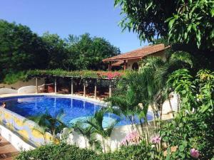 The swimming pool at or near Lugar Escondido