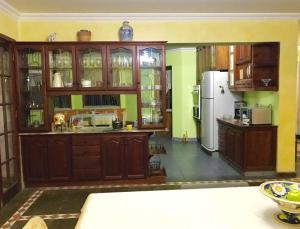 Una cocina o zona de cocina en Nuestra Casa en Tarija