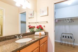 A bathroom at Chips & Salsa 2BR/2BA