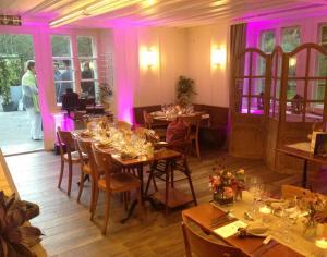 A restaurant or other place to eat at Hôtel de la Truite