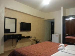(Ola Palace Hotel)