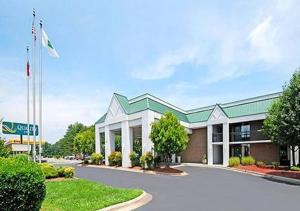 From 50 Picture Of Days Inn Mocksville