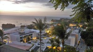 A bird's-eye view of Alargo Villa