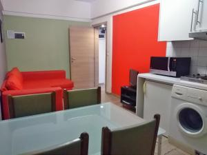 A kitchen or kitchenette at Apartments AMS Brussels Flats