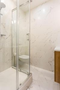 A bathroom at CMG Rivoli/ Notre-Dame II