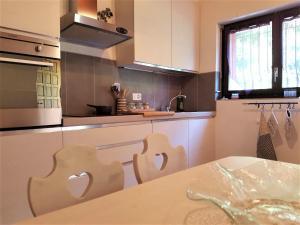 A kitchen or kitchenette at Collinetta di Montagnola