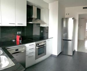 A kitchen or kitchenette at Luz y Mar