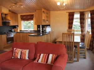 A kitchen or kitchenette at Barton Lodge, Pooley Bridge