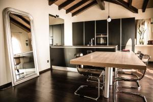 A kitchen or kitchenette at Casa Luna
