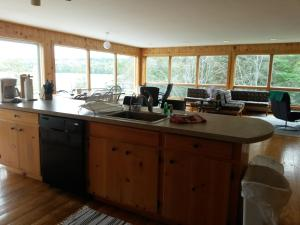 A kitchen or kitchenette at Dodge View