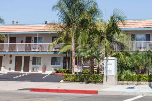 Travelodge Anaheim Fullerton Ca Booking Com
