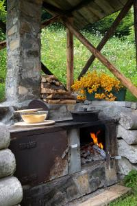 BBQ facilities available to guests at the aparthotel
