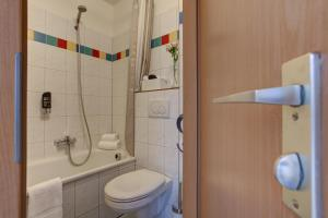 A bathroom at Boardinghouse Mundsburg