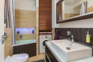 Kamar mandi di Agnes - Apartments