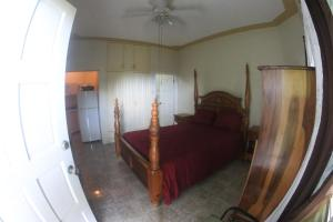 Een bed of bedden in een kamer bij Tower Royal