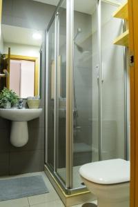 A bathroom at Moderna vivienda en Las Canteras