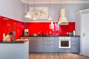 A kitchen or kitchenette at Idyllisches Haus mitten in Berlin