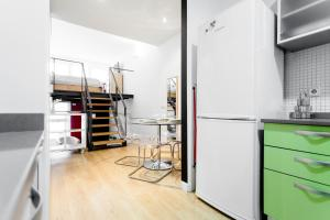 A kitchen or kitchenette at Odonell Loft