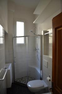 A bathroom at Flat Bologna Center Via San Felice - Appartamento